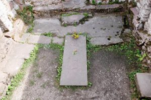 Grab des als heilig verehrten Friedrich von Hirsau
