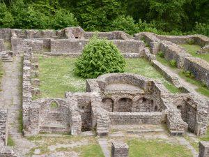 Der Kreuzgang des Klosters vom Nordturm aus gesehen