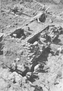 Ausgrabungen im Westvorhof. Foto: Institut für Ur- und Frühgeschichte Universität Heidelberg