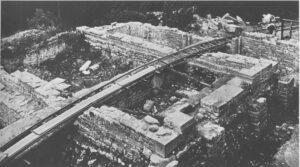 Westvorhof bei Ausgrabung 1932. Foto Burger