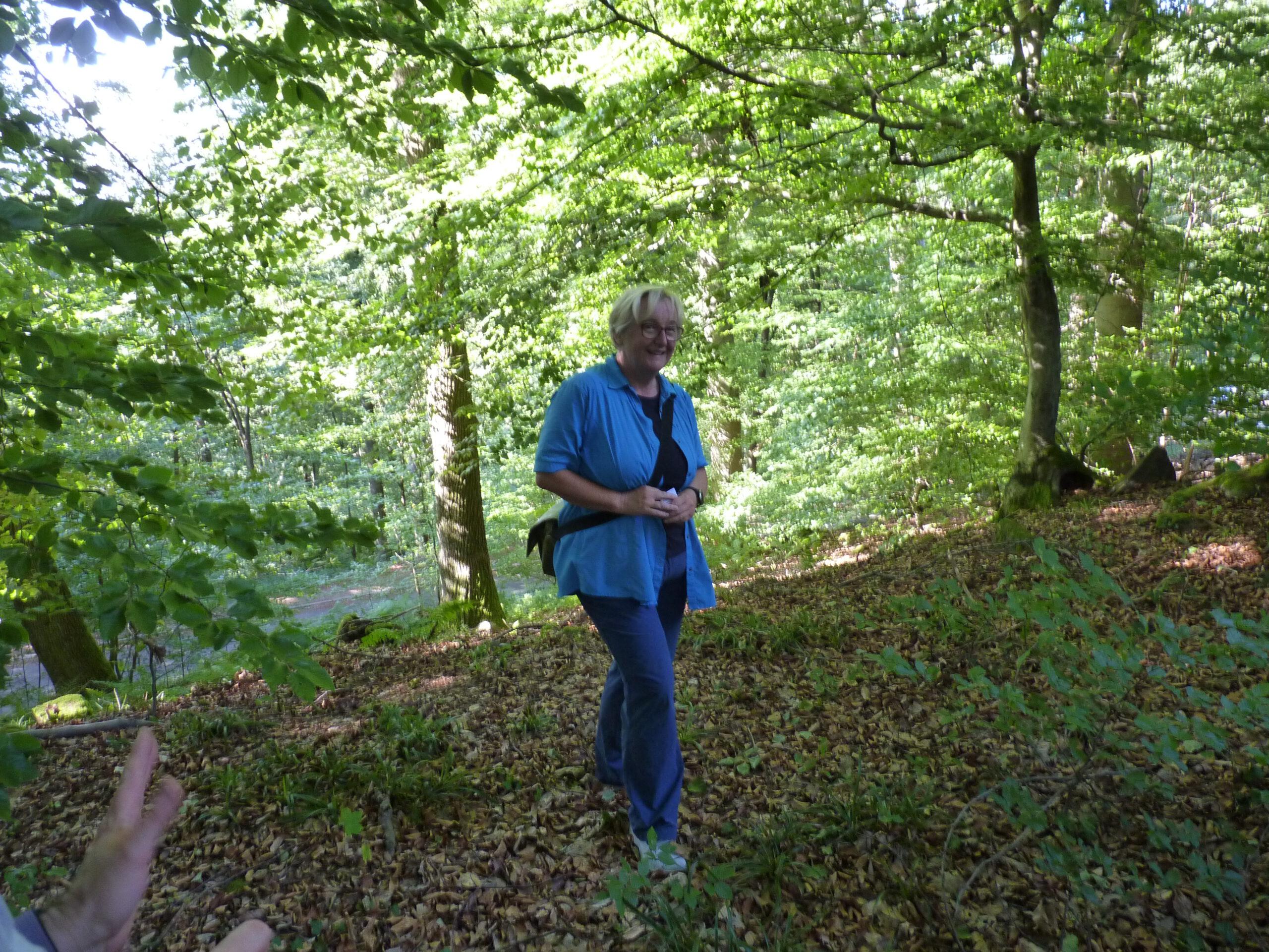 Frau Bauer auf dem Keltenwall